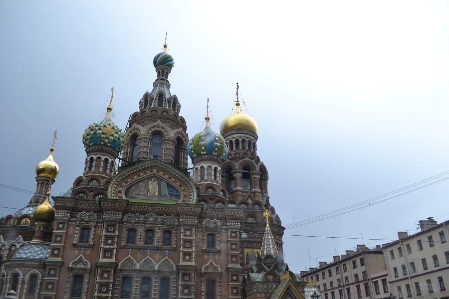 Estos delincuentes son aficionados a la iconografia religiosa en sus tatuajes. Iglesia de la Sangre Derramada, San Petersburgo. PROPRONews