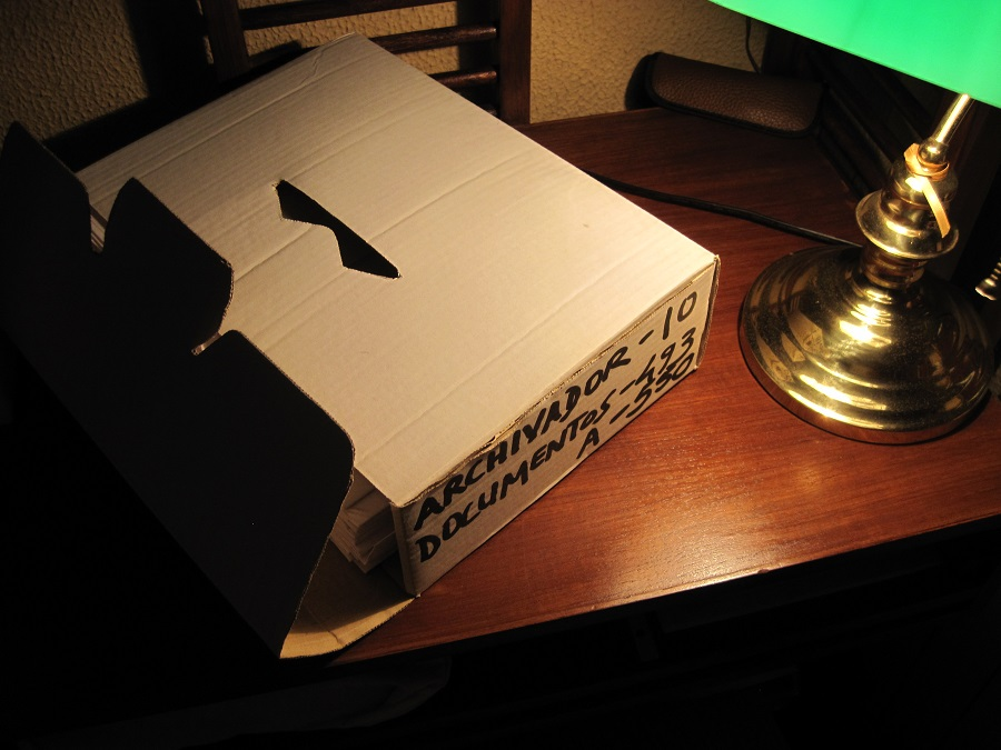 Los documentos, ensobrados, van clasificados numéricamente y por temática en contenedores. PROPRONews