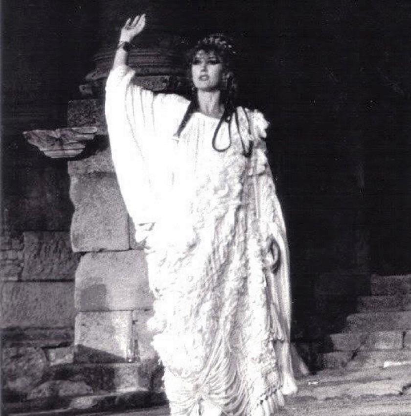 Victoria Vera en Lisístrata, un éxito del Centro Dramático de Badajoz en el Teatro Romano de Mérida. ARCHIVO J.M. VILLAFAINA