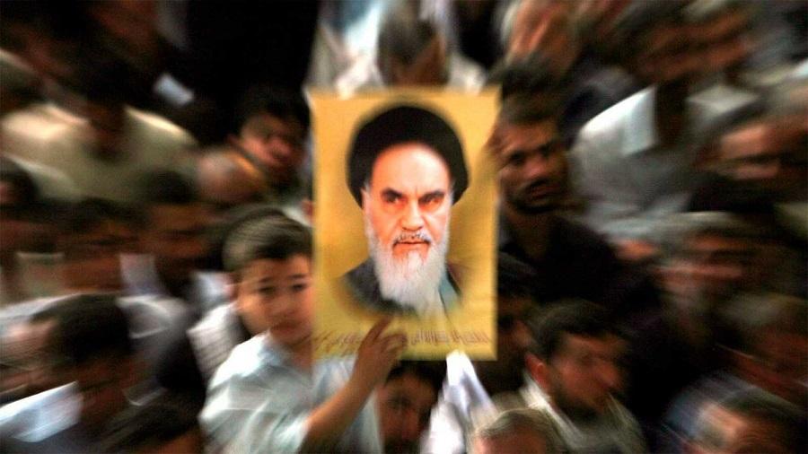 En 1979 los ayatolás toman el poder en Irán. RTVE