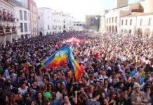 Plaza Alta de Badajoz, multitudinaria asistencia a la primera Caravana de Palomos en 2011.